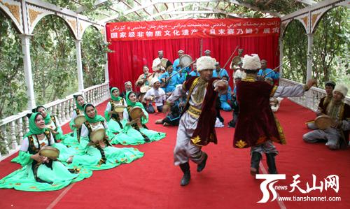 2011中国环塔拉力赛将在且末县举行盛大颁奖仪式