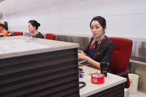 飞机场美女机场美女韩国插座韩国机场美女
