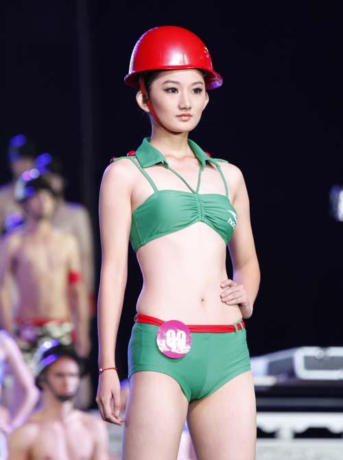 裸体美女模特露淫私人体艺术照_环球国际模特总决赛落下帷幕艺术表现形式佳