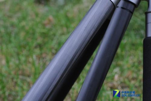采用碳纤维的脚架管