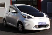 荣威E50纯电动轿车
