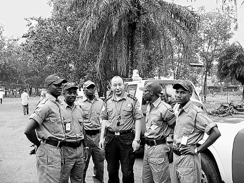 樊冠钰在利比里亚执行维和任务。本报资料图片