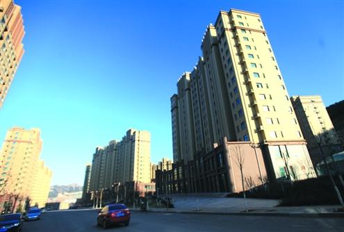 人口规模超过200万的城市将率先试点探索完善共有产权,自住住房政策.