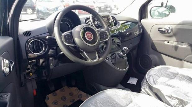 新款菲亚特500内饰 高清图片