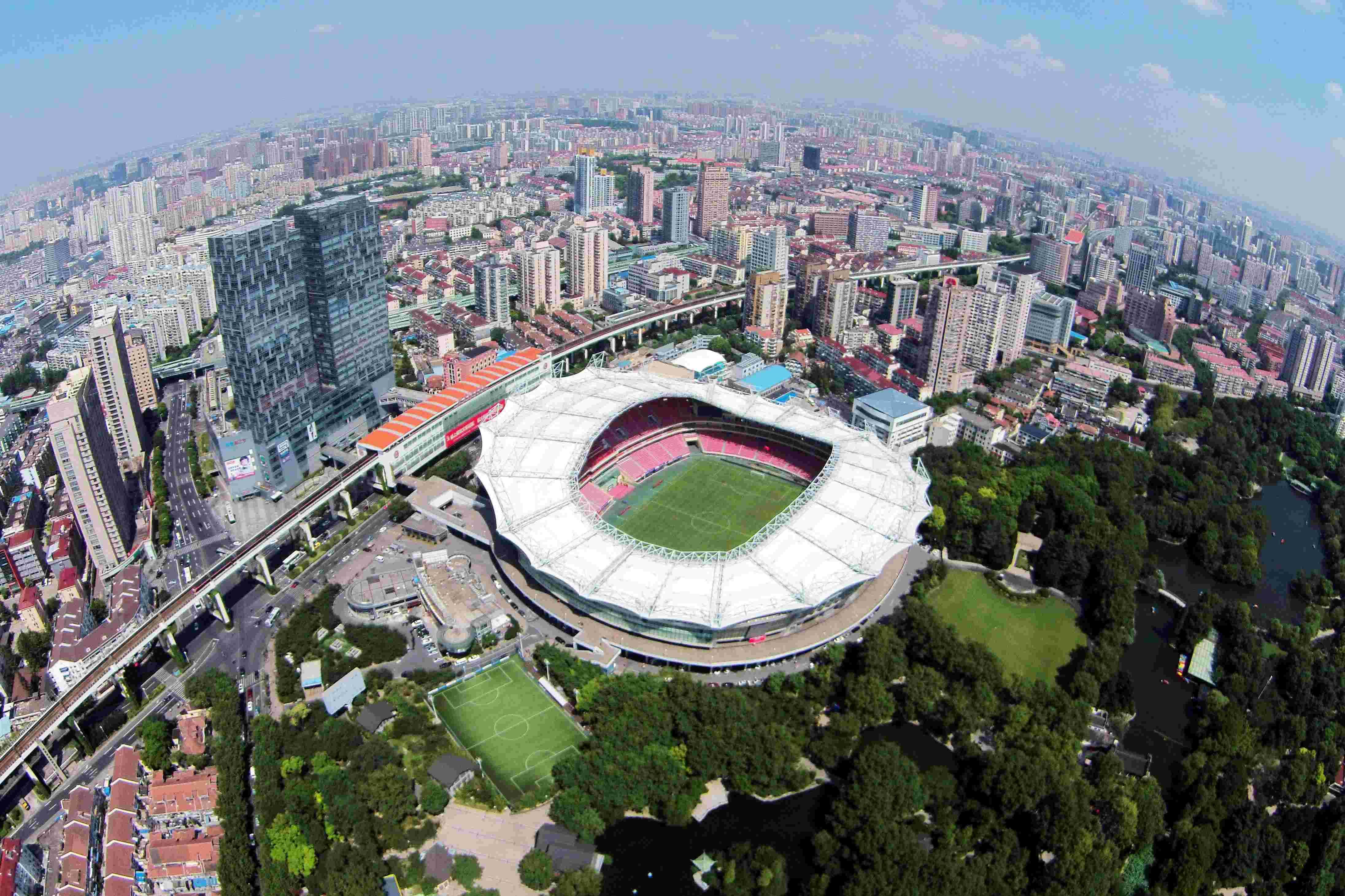 上海,2015年9月11日   飞眼瞰上海   8月19日航拍的上海虹口足球场