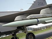英媒关注中国新型远程空对空导弹